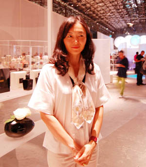 Keiko Mecheri presenta i suoi nuovi profumi (video)
