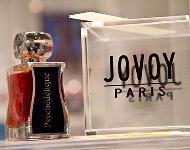 Alla scoperta di Jovoy. Parigi-Vietnam-Grasse e ritorno (Video)
