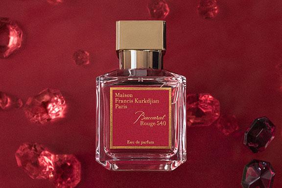 Baccarat Rouge 540. Un'essenza fatta di fuoco e cristallo entra nella collezione Maison Francis Kurkdjian