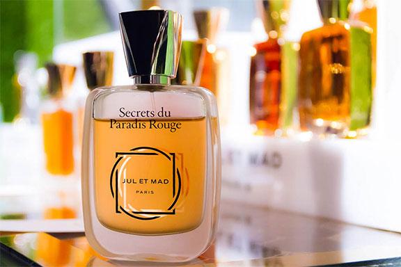 Secrets du Paradis Rouge. Luna di fiori d'arancio e miele per Jul et Mad