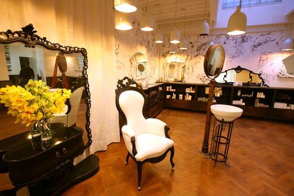 Avery Perfume Gallery Modena festeggia San Valentino con l'evento POZIONI D'AMORE