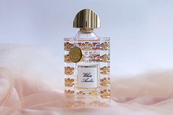 White Amber. Creed stravolge i codici delle fragranze ambrate