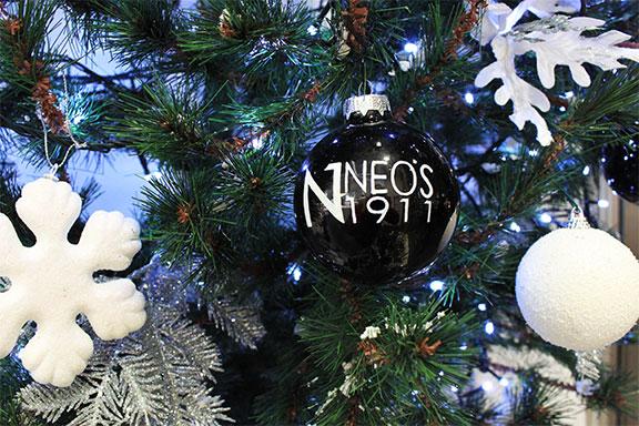 La selezione natalizia di Neos 1911 è piena di regali WOW! per tutti i budget