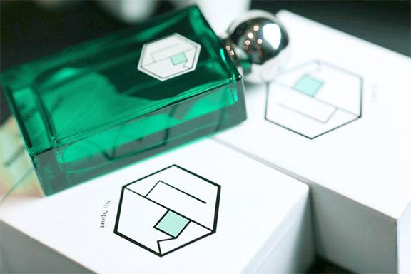 No Sport ~ La Parfumerie Moderne. La profumeria d'autore distilla il ritratto di Winston Churcill e della sua Inghilterra