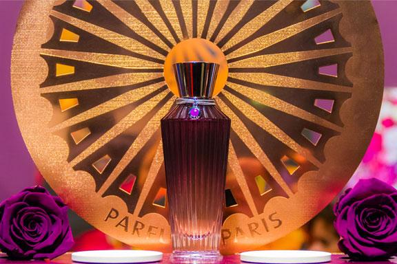 Niral. Una trama di seta ed essenze preziose per la settima fragranza Neela Vermeire